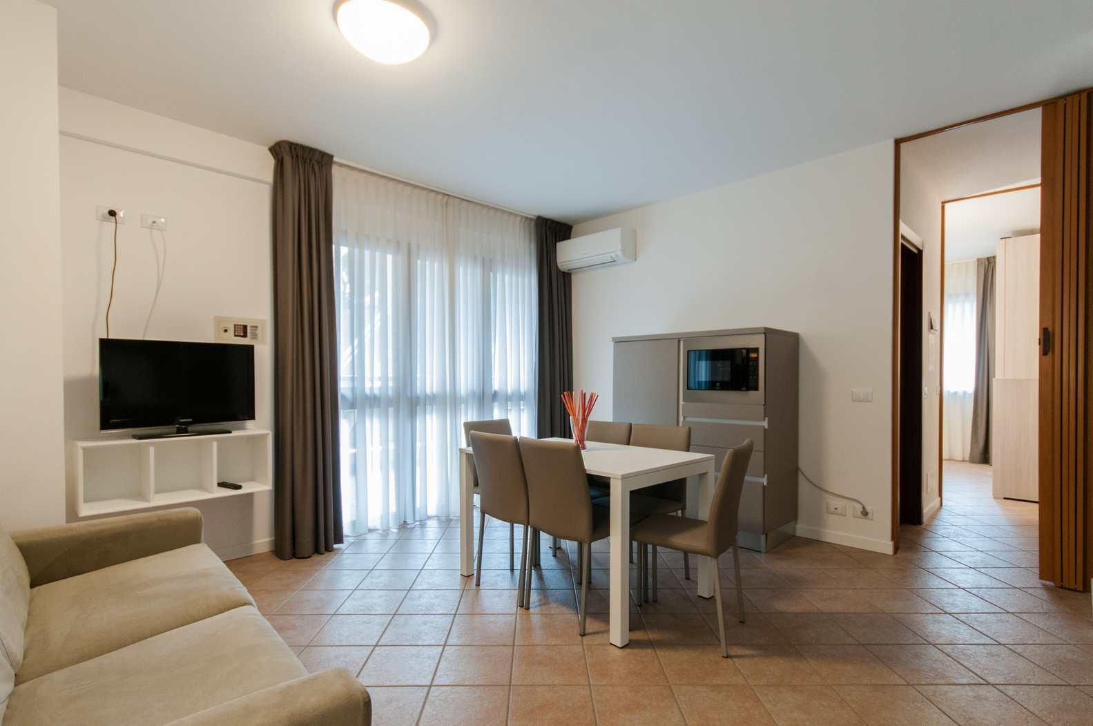 Foto Soggiorno e Appartamento - Residence Vacanze Milano Marittima - Appartamento Vacanze - Trilocale 205